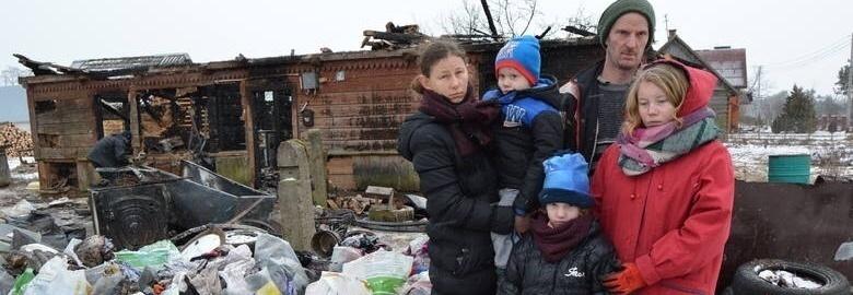 Pożar domu strawił dorobek ich całego życia - pomoc dla Państwa Bacławskich i ich trójki dzieci