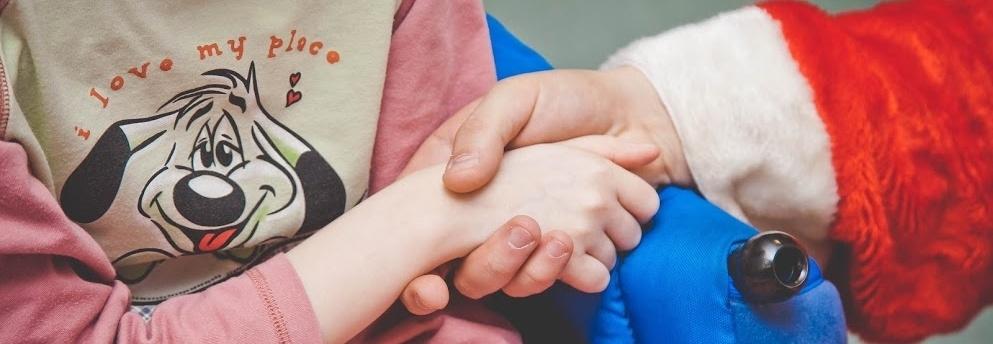 Paczka na gwiazdkę dla dzieci z oddziału onkologii i hematologii Szpitala w Prokocimiu