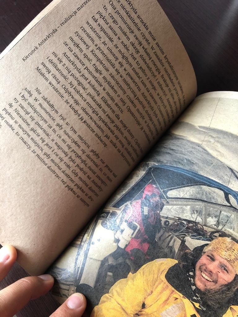 Książka i worek prezentów