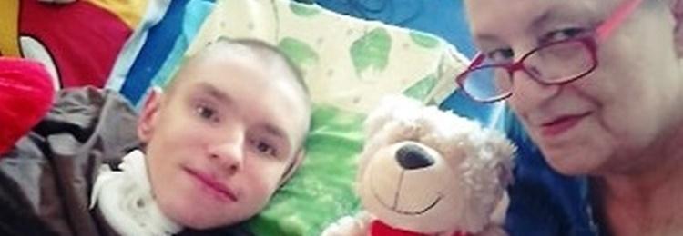 Pomoc w codziennej walce z bólem i zdrowiem Adriana i jego babci