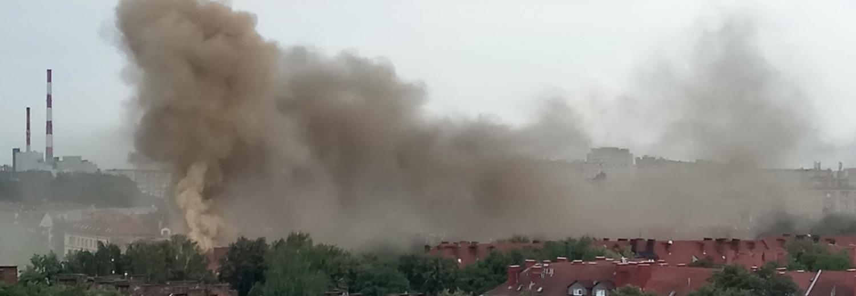 Tychy: Pożar zabrał nam wszystko. Piorun trafił w dach budynku zabierając cały dobytek!
