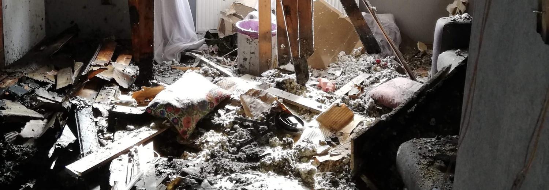 Pożar zabrał im wszystko. Pomóżmy odbudować dom, który rodzina straciła w pożarze.