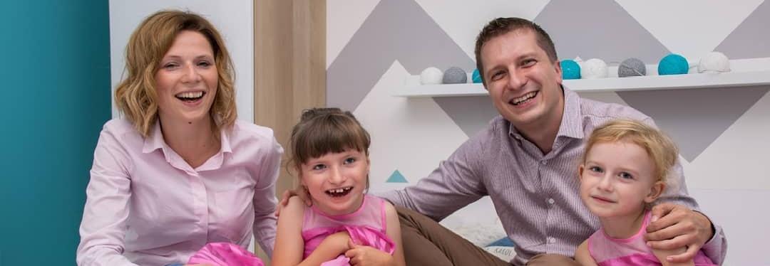 Pomoc dla Natalki i Karola wraz z dziećmi po wypadku samochodowym