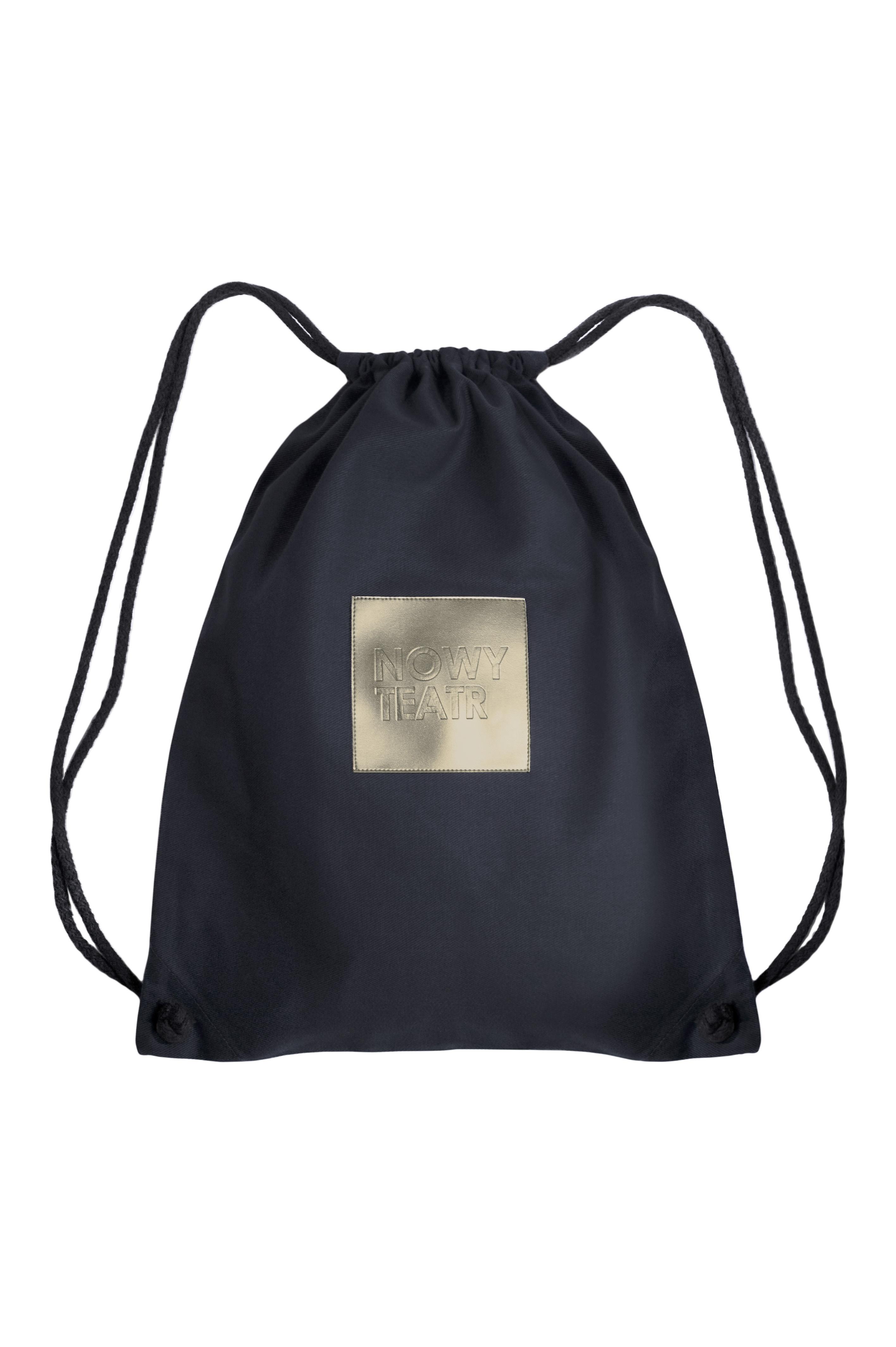 Szary plecak Nowego Teatru zaprojektowany i wykonany przez nenukko