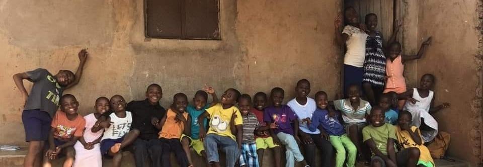 Pomóżmy Masice zbudować sierociniec. Dzieci z Ugandy czekają na pomoc.