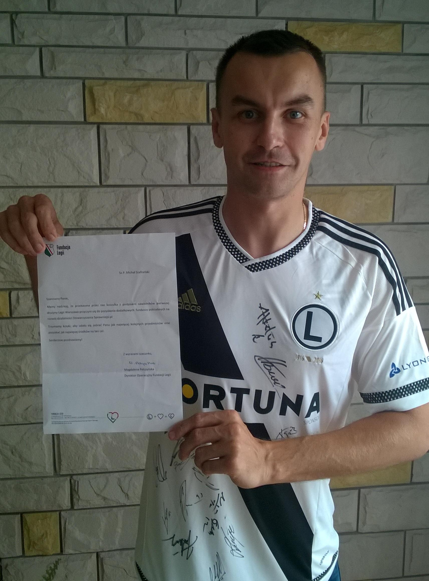 Koszulka Legii Warszawa z podpisami piłkarzy