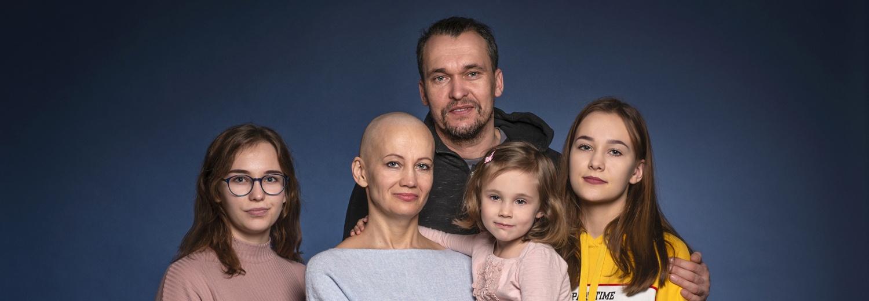 Pomóż mi uwolnić się od raka. Chcę móc wychować moje córki!
