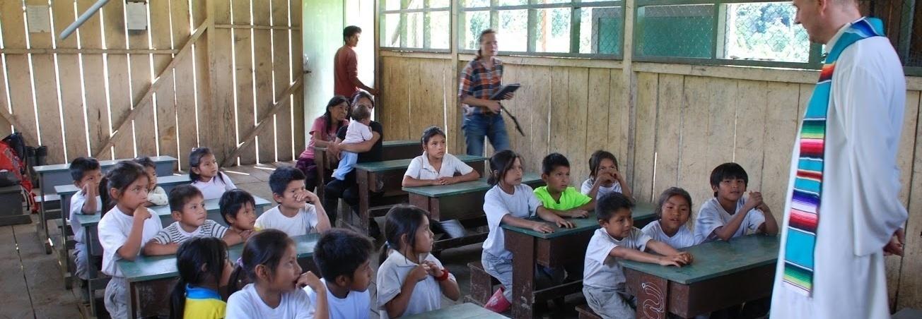 Wyprawka szkolna dla ubogich dzieci z naszej misji w Ekwadorze